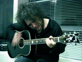 Robert Smith - mal ohne Band